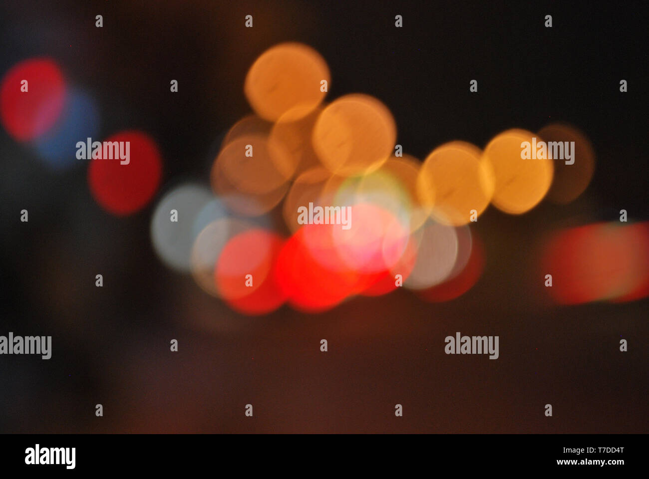 Bokeh images and blurring of street lights and car taillights - Stock Image