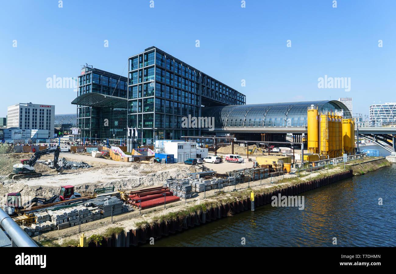 Berlin's main railway station (Hauptbahnhof) under construction. Taken in April 2019 - Stock Image