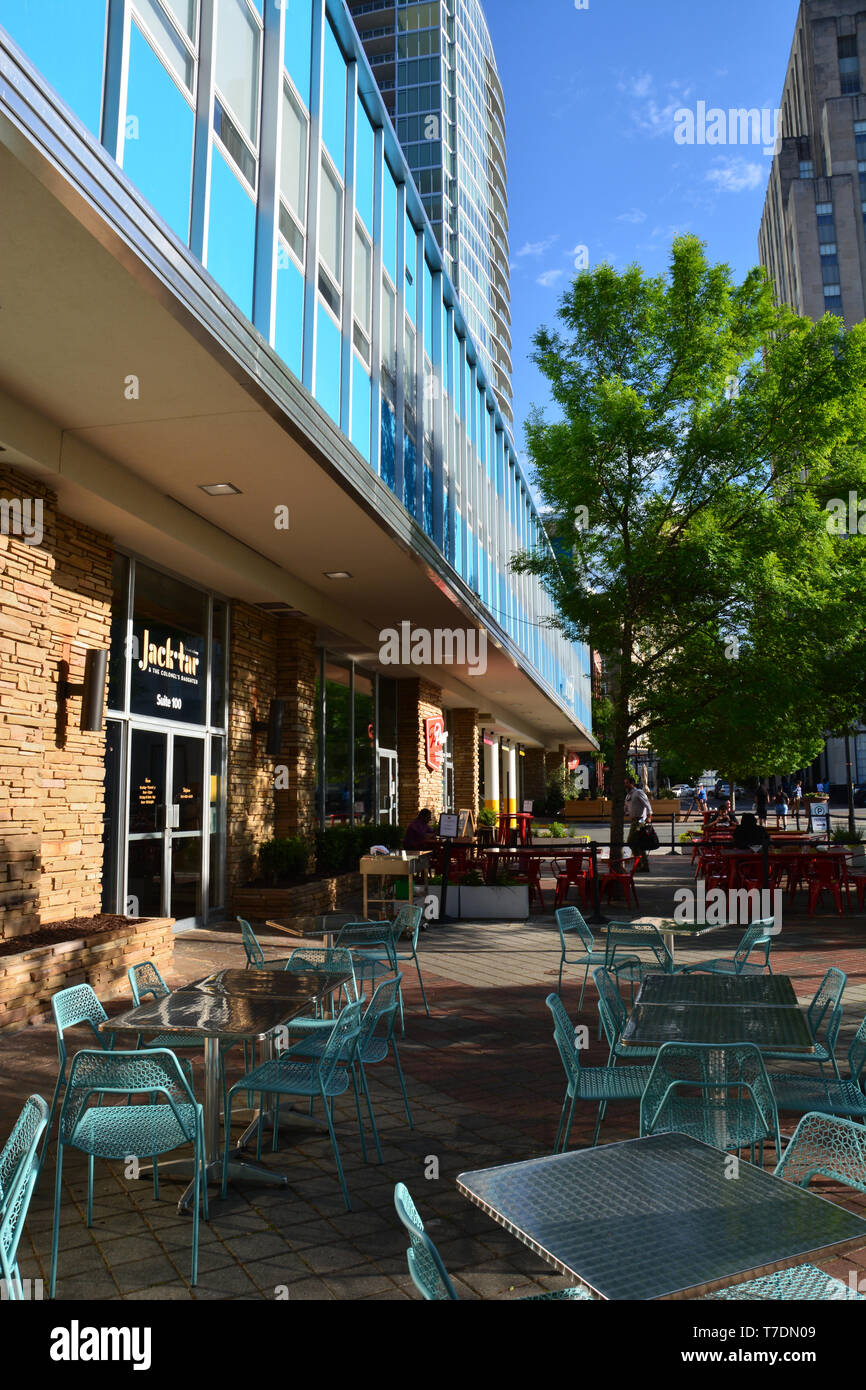 A sidewalk cafe located in downtown Durham North Carolina. - Stock Image