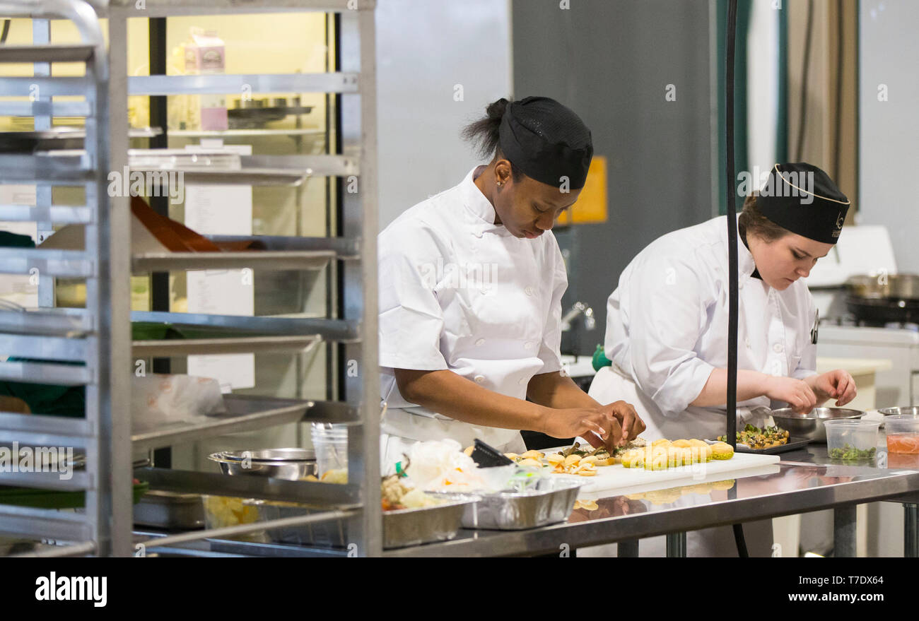 Toronto, Canada. 6th May, 2019. Students compete during the culinary arts sector of the 2019 Skills Ontario Competition in Toronto, Canada, on May 6, 2019. The 2019 Skills Ontario Competition kicked off here on Monday, attracting more than 2,400 competitors. A broad range of skills and careers are represented at the three-day competition from across the manufacturing, transportation, construction, service, and technology sectors. Credit: Zou Zheng/Xinhua/Alamy Live News - Stock Image