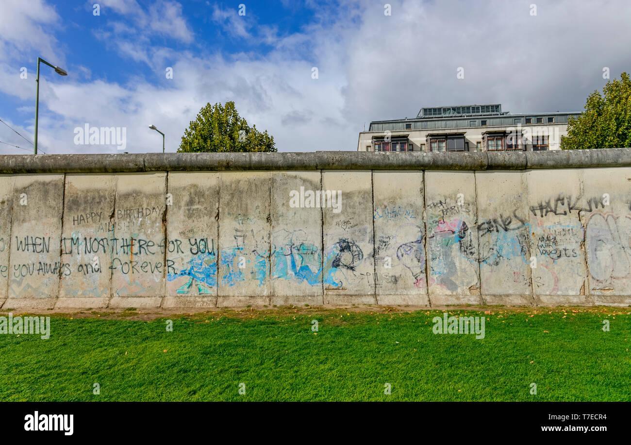 Gedenkstaette Berliner Mauer, Bernauer Strasse, Mitte, Berlin, Deutschland - Stock Image