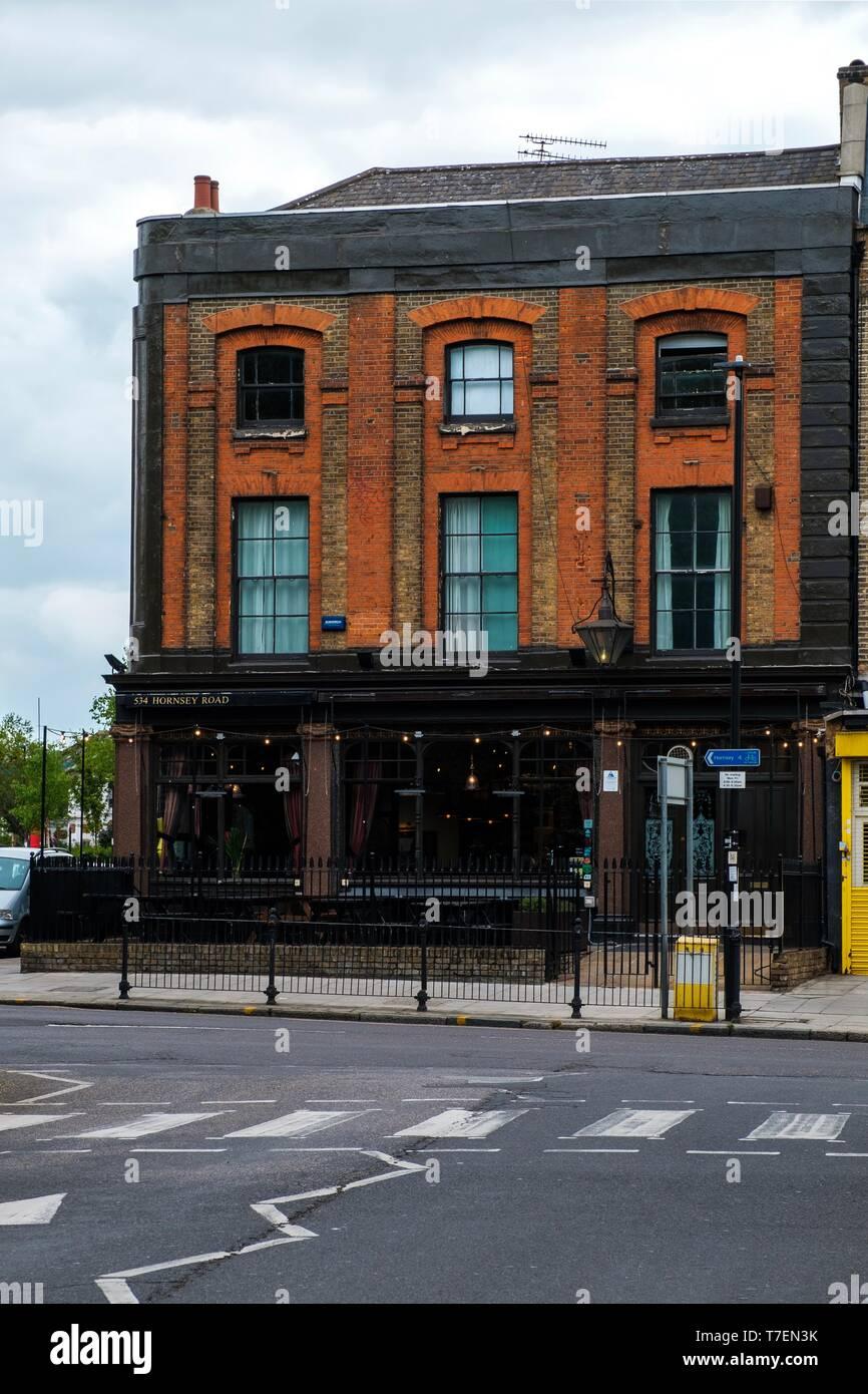 Shaftesbury Tavern, Hornsey Road, London - Stock Image