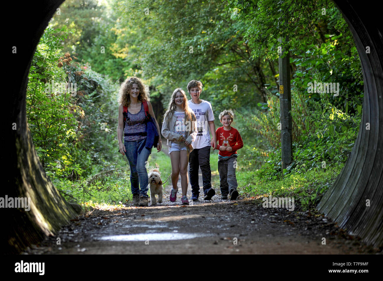 Meningitis Now Five Valleys Walk 2016.  Pictured, L- R Caroline Auckland with Willow, Louis, Freddie aged 10,13 and 6 withTuppence the dog - Stock Image