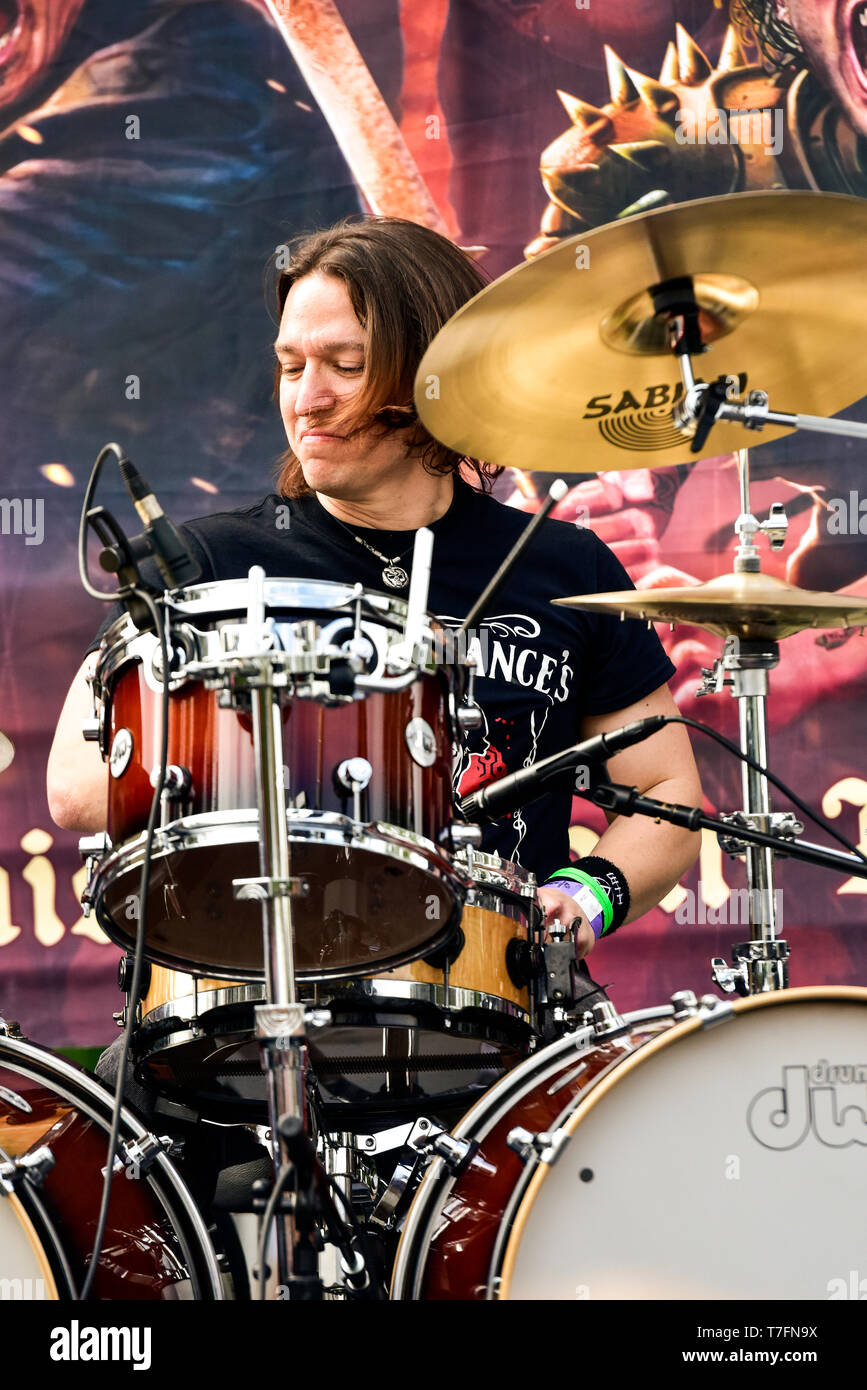 May 5, 2019, Encino, California, Mike Dupke drumming with the Eddie Trunk All-Star Band at the 2019 Ride for Ronnie charity concert. Stock Photo