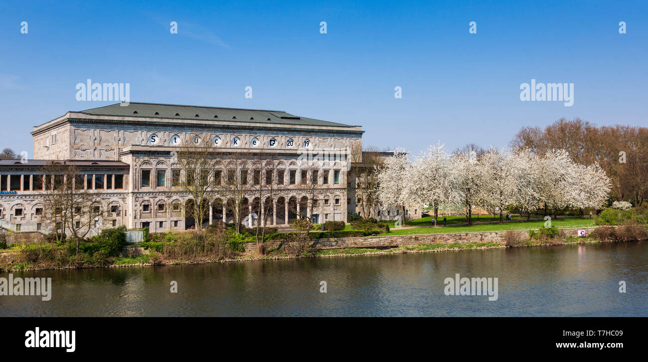 Stadthalle, civic centre and theatre, Mülheim an der Ruhr, Germany - Stock Image