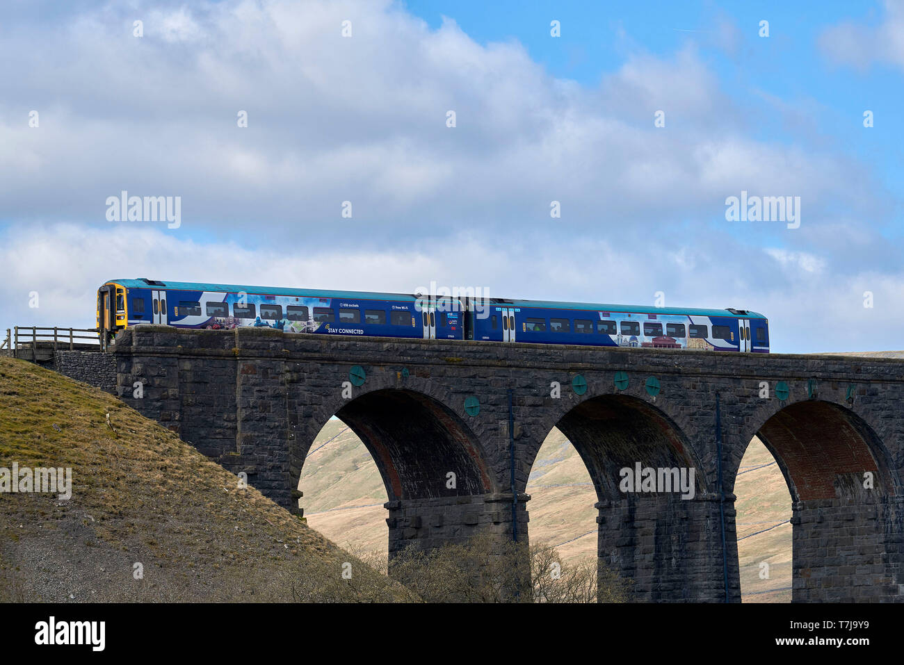 Local train on the Settle & Carlisle Railway, Ribblehead, North Yorkshire, northern England, UK - Stock Image