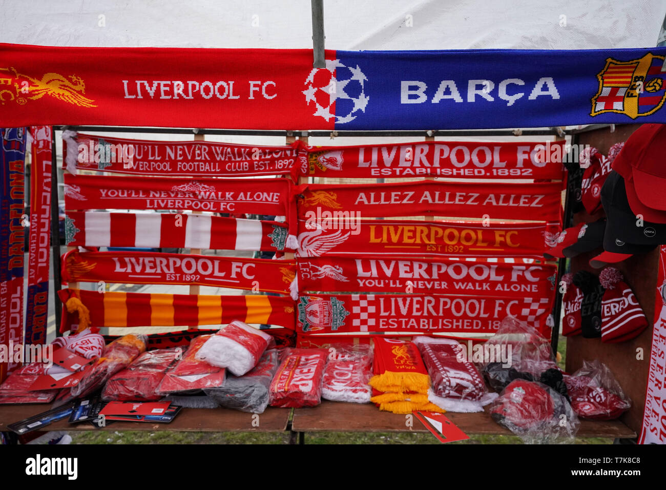 S Schal/ Club Licensed Liverpool Gr /rot