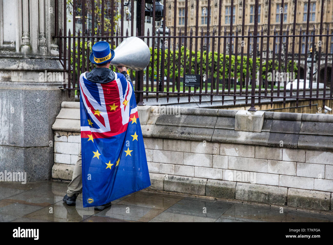 London, UK. 8 May, 2019. Steve Bray of SODEM (Stand of Defiance European Movement) protests with a loud hailer outside Parliament shortly before Prime Minister's Questions. Credit: Mark Kerrison/Alamy Live News - Stock Image