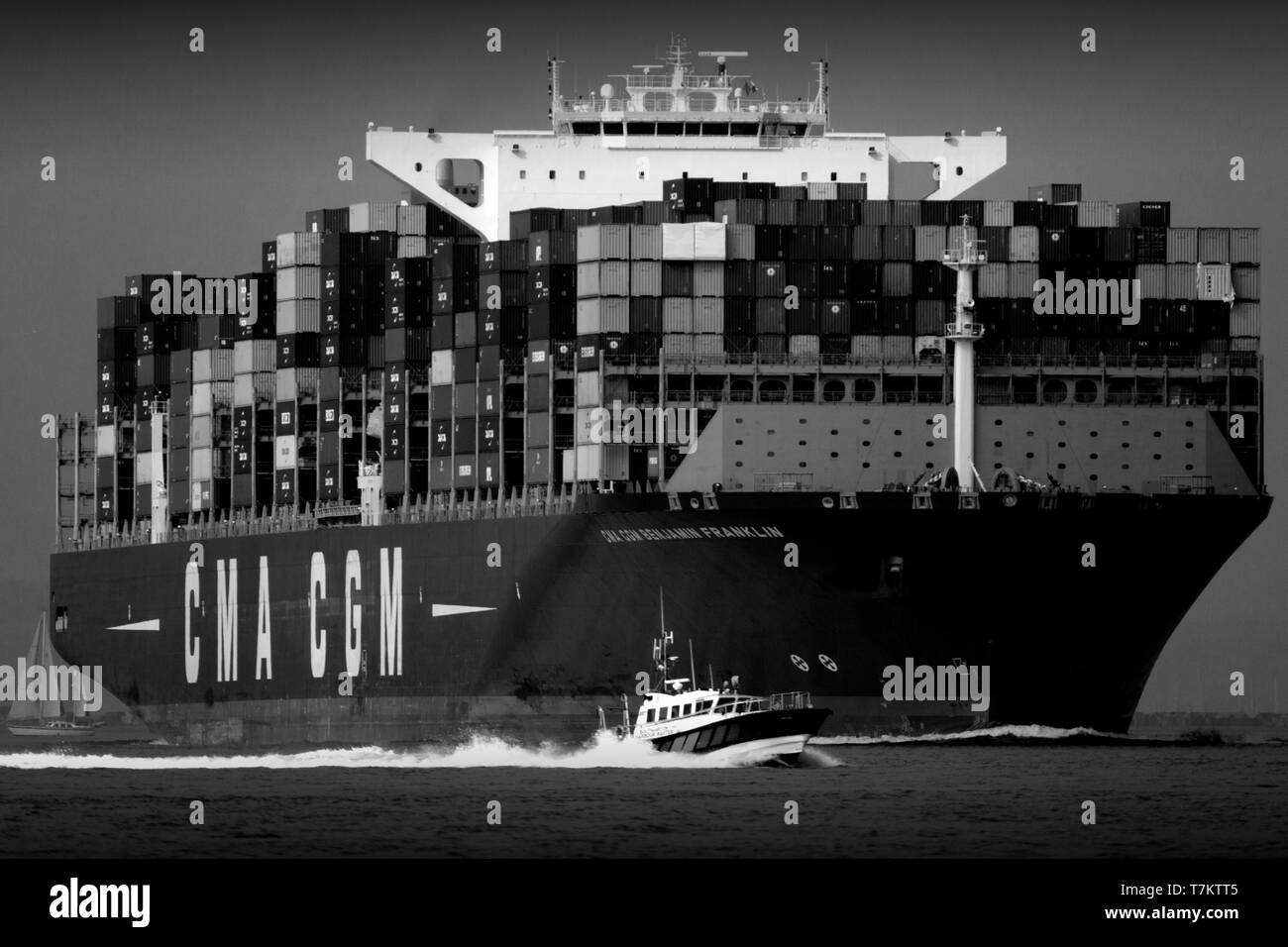 large,import,services,shipping,agent,port,harbour,master,launch,escort,pilot,Container,Ship,Southampton,Terminal,The Solent,China,Europe,import,trade, - Stock Image