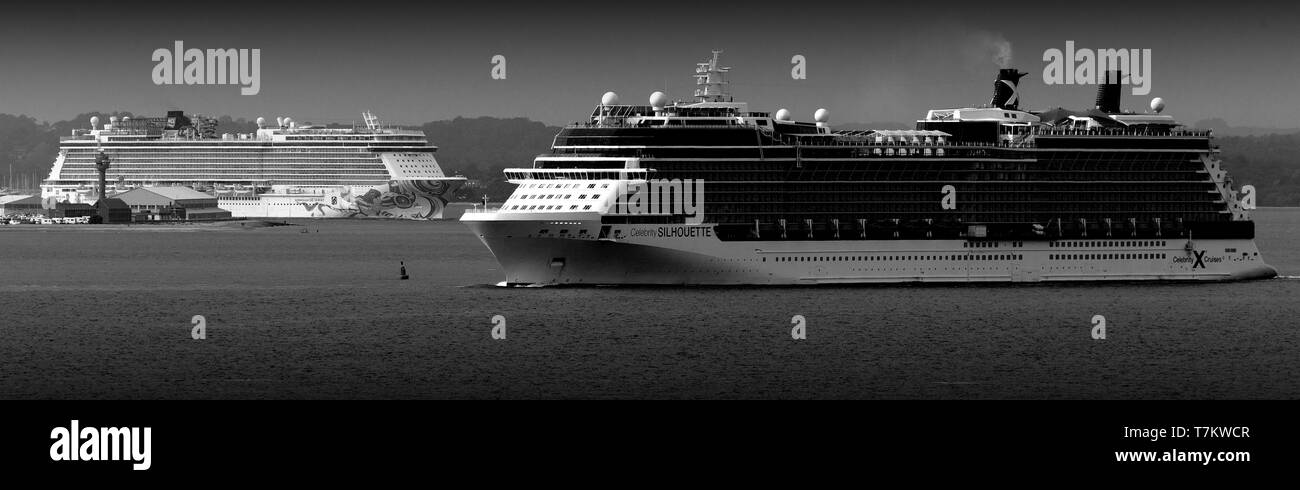 casino,spa,shops,library,cinema,bars,tourism,passenger,voyage,pleasure,amenities,to,nowhere,liner,transoceanic,schedule,two,cruise,liners,Soutjampton - Stock Image