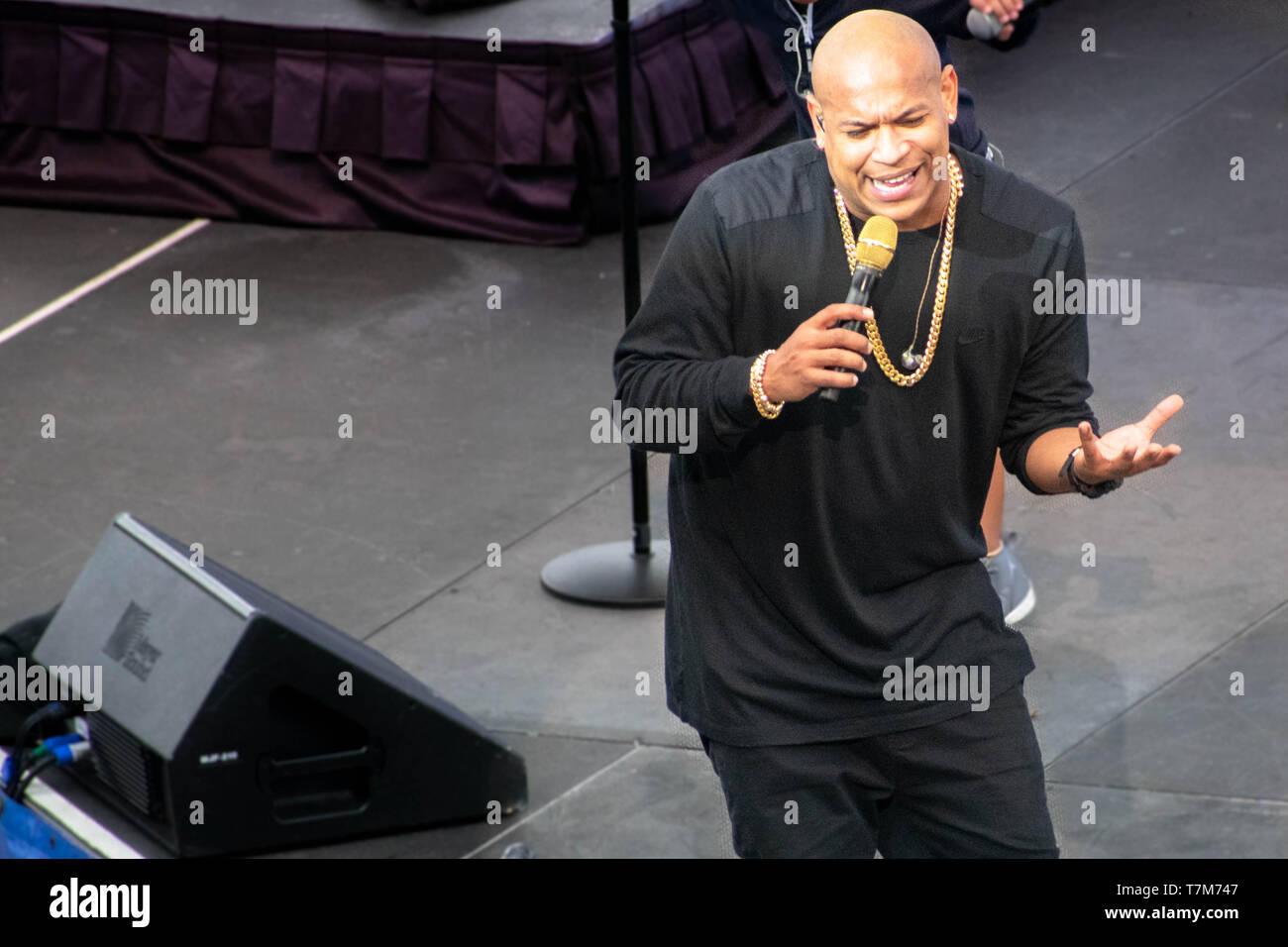 Orlando, Florida. March 17, 2019. Alexander Delgado by Gente de Zona singing urban music at Seaworld  in International Drive Area (15) Stock Photo