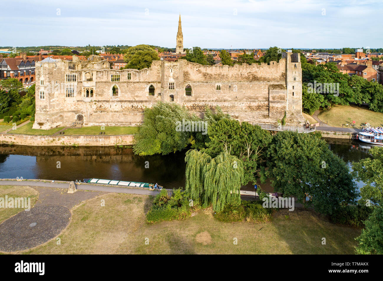 Ruins of medieval Gothic castle in Newark on Trent, near Nottingham, Nottinghamshire, England, UK. Aerial view with Trent River in sunset light. - Stock Image