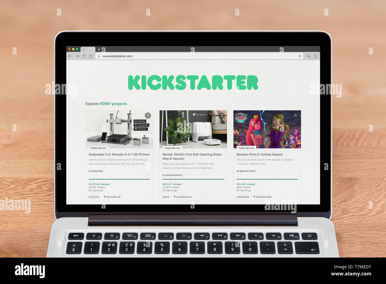 An Apple Macbook displays the Kickstarter website (Editorial use only). - Stock Image