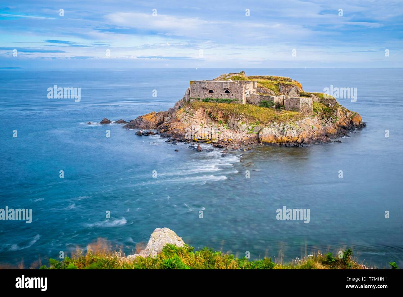 France, Finistere, Le Conquet, Kermorvan peninsula, fort of Kermorvan islet Stock Photo