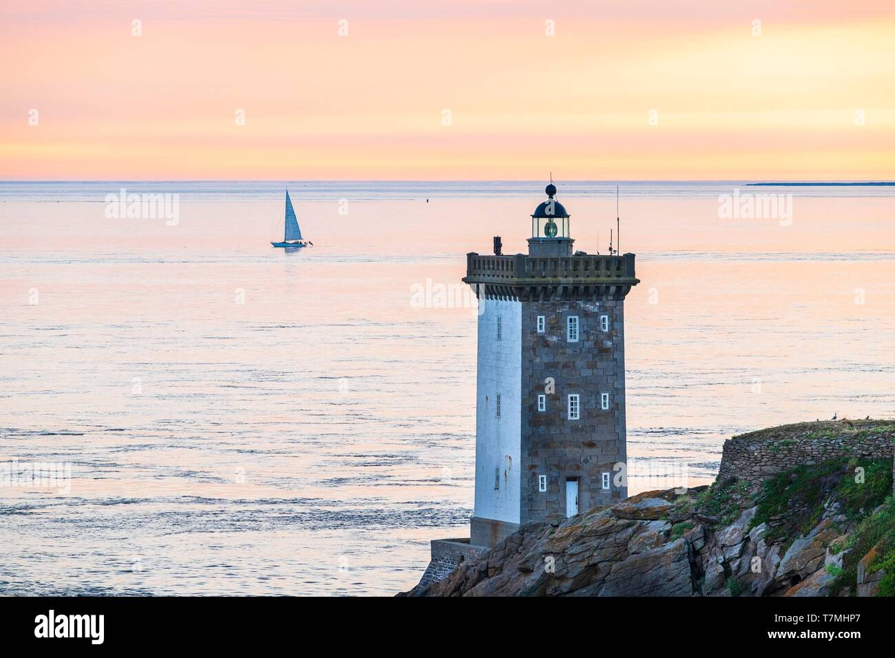 France, Finistere, Le Conquet, Kermorvan peninsula, Kermorvan lighthouse built in 1849 Stock Photo