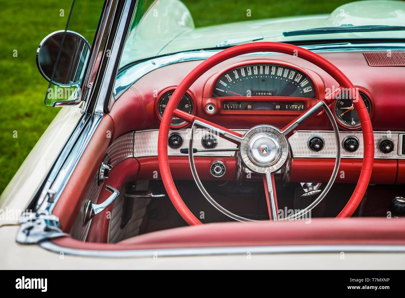Ford Thunderbird 1950s High Resolution Stock Photography And Images Alamy