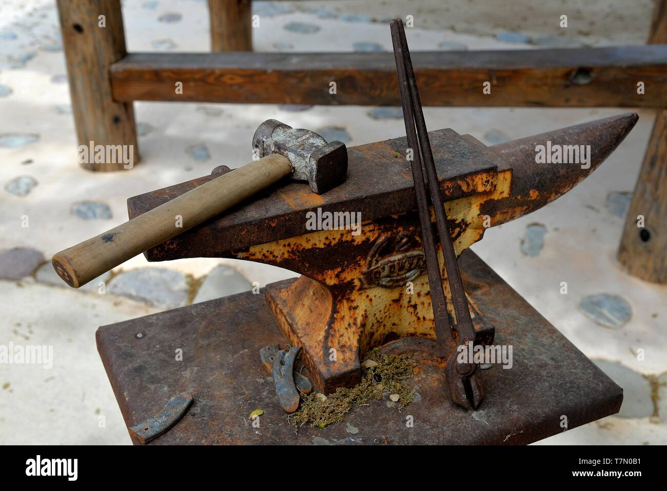 Anvil And Hammer Stock Photos & Anvil And Hammer Stock Images - Alamy