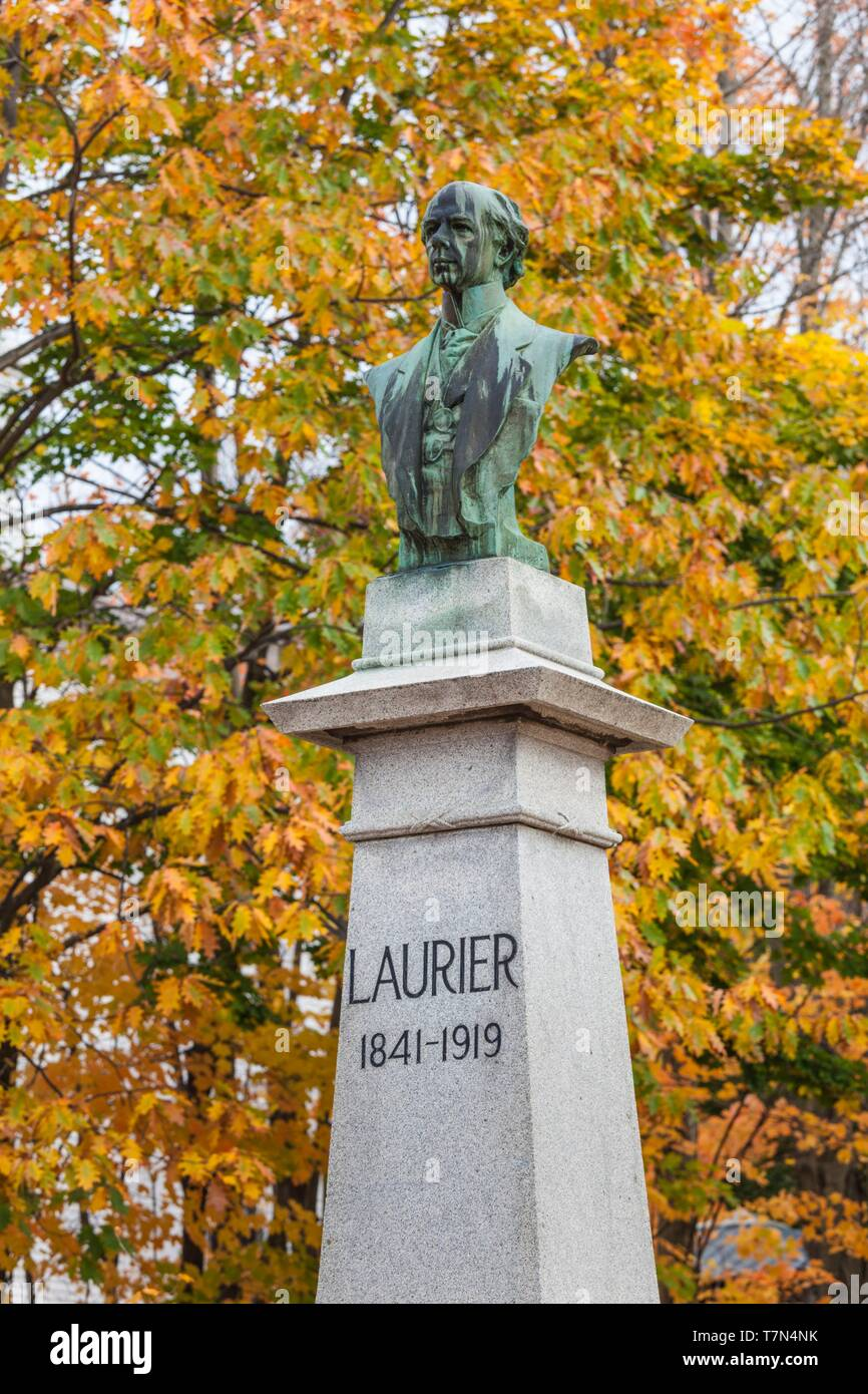 Canada, Quebec, Centre-du-Quebec Region, Victoriaville, Maison Sir Wilfrid Laurier, former home of Canadian Prime Minister, autumn - Stock Image