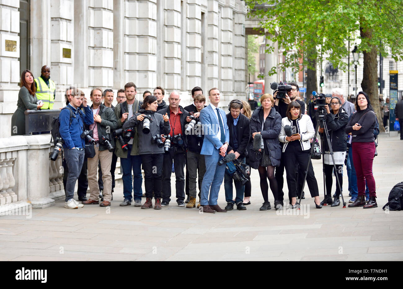 London, England, UK. Members of the media - photographers and TV crews, waiting outside the Cabinet Office in Whitehall for the arrival of Labour's Br Stock Photo