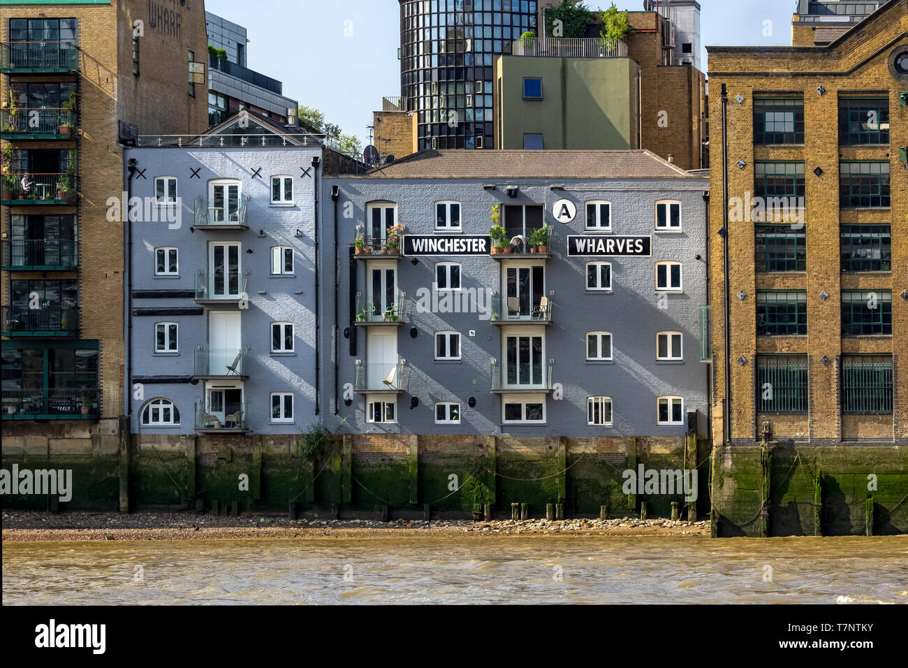 SOUTHBANK, LONDON:  Winchester Wharves Building seen from the River Thames - Stock Image