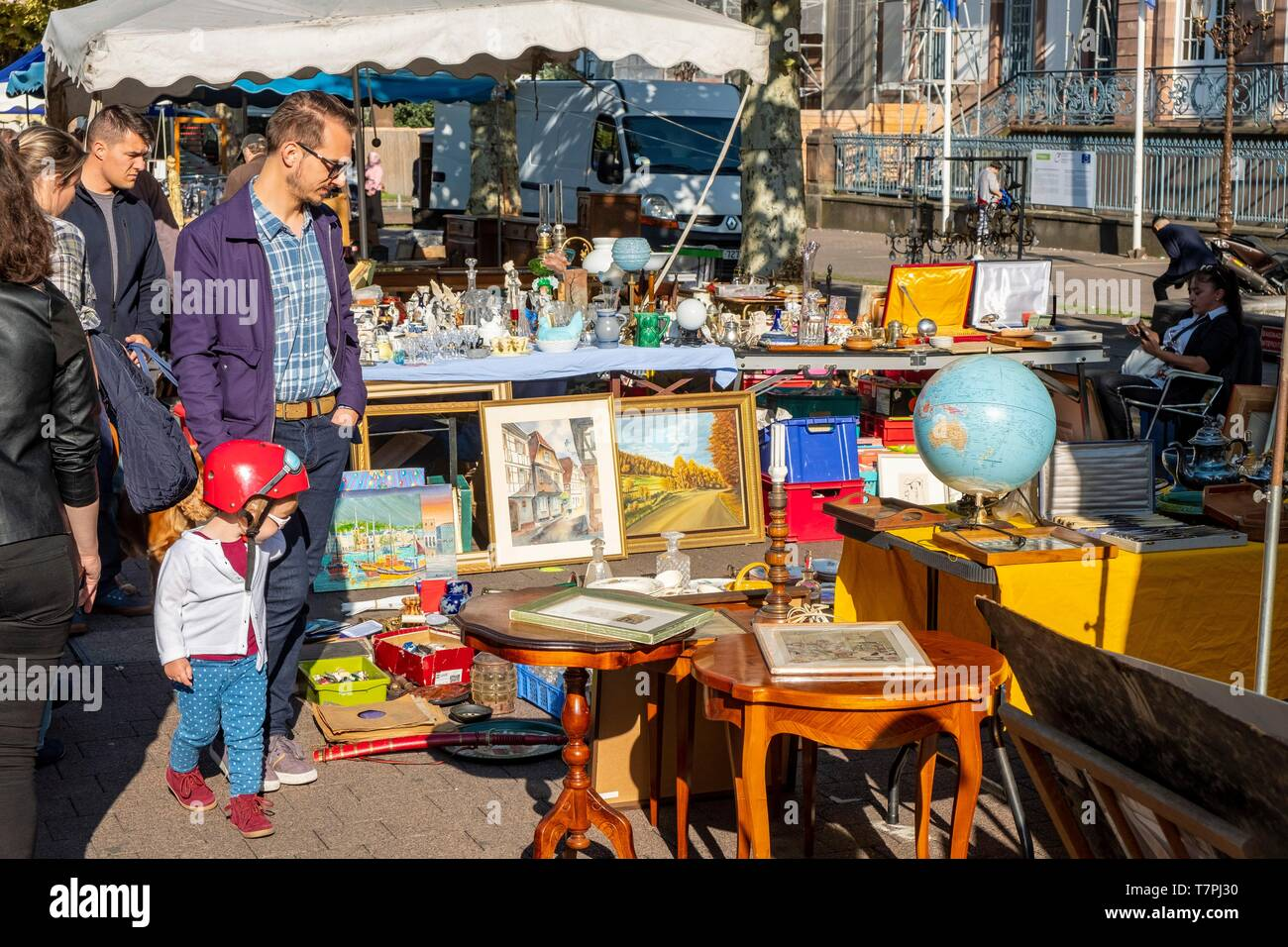 France, Bas Rhin, Strasbourg, old city listed as World Heritage by UNESCO, Place Broglie, Brocante - Stock Image