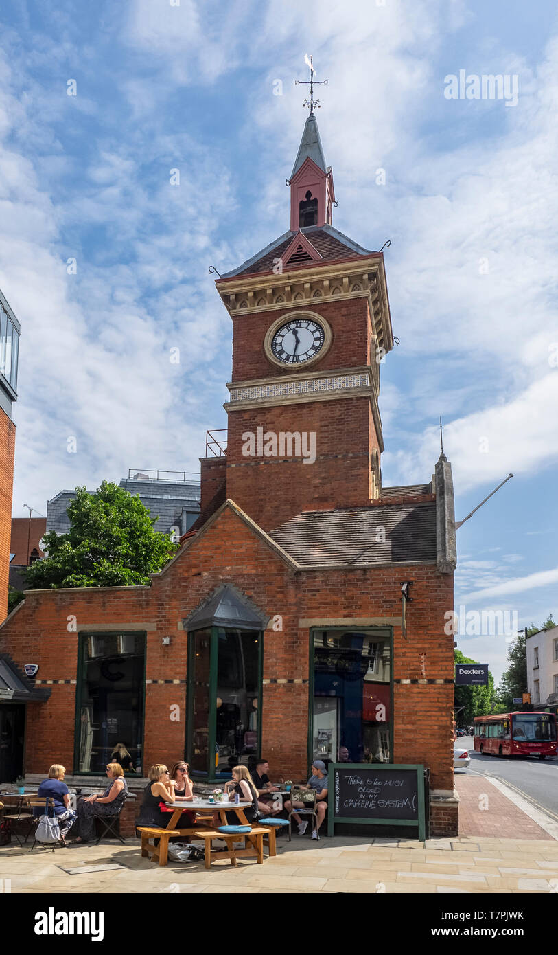 RICHMOND UPON THAMES:  Coffeeology Coffee Shop in the the old Fire Station - Stock Image