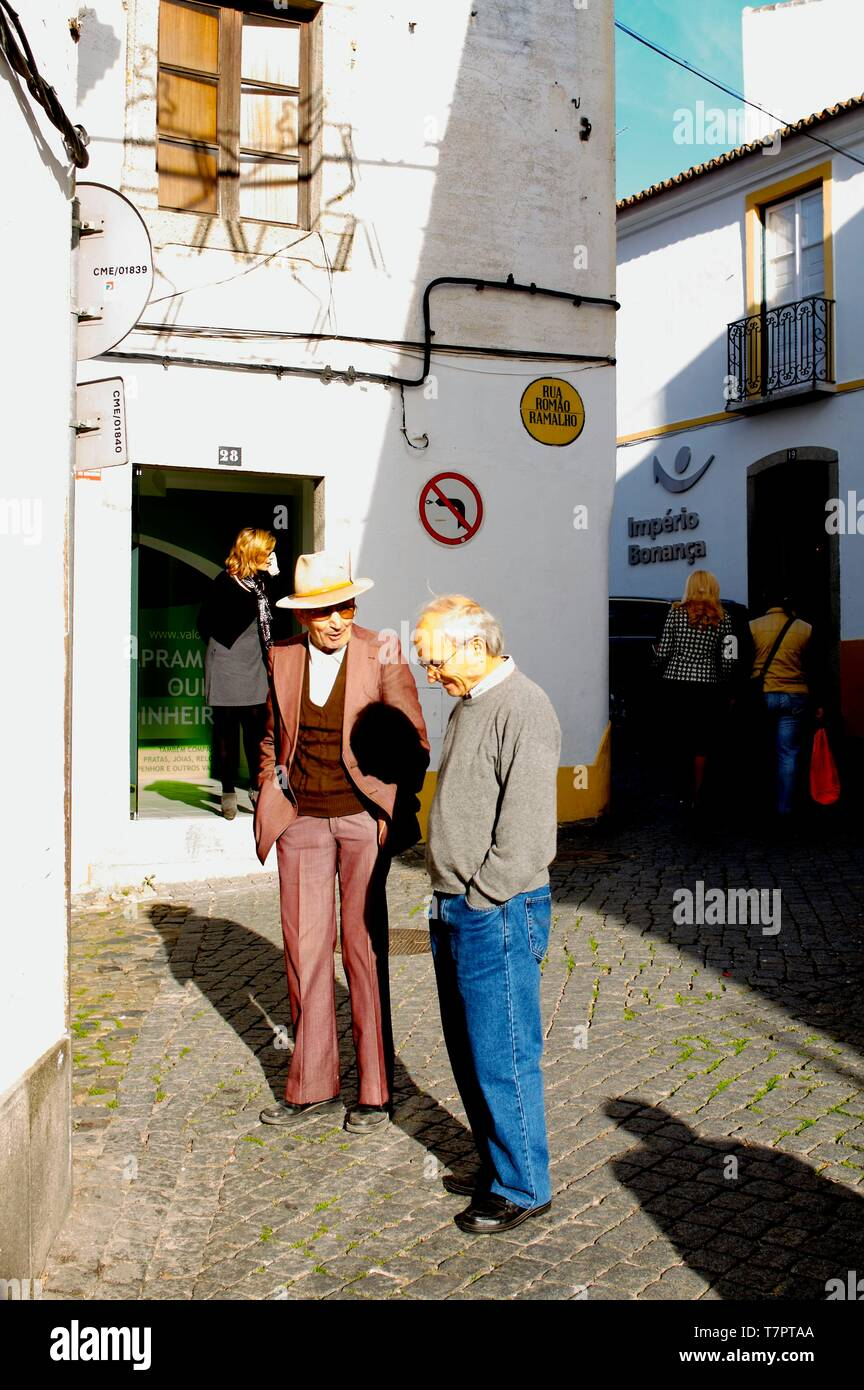 Portugal, Alentejo, street scene in Evora - Stock Image