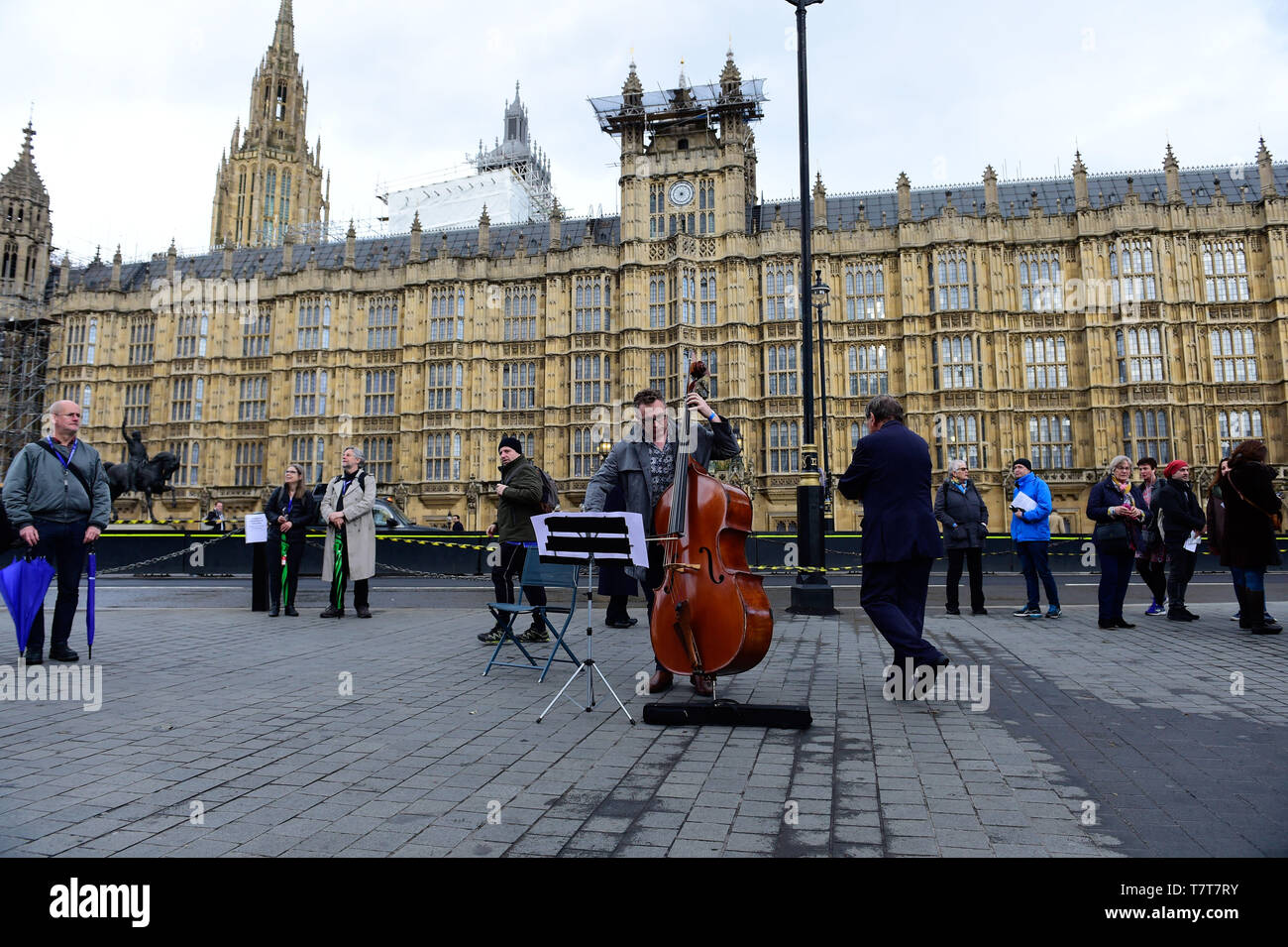 London, UK. 8th  May, 2019. Dash Arts, anti-Brexit European Flash Mob, Outside Westminster Abbey, performing a 5 minute extract from Bethoven's 9th (Ode to Joy) celebrating the enduring links between UK and Europe Credit: Van Quan/Alamy Live News Stock Photo