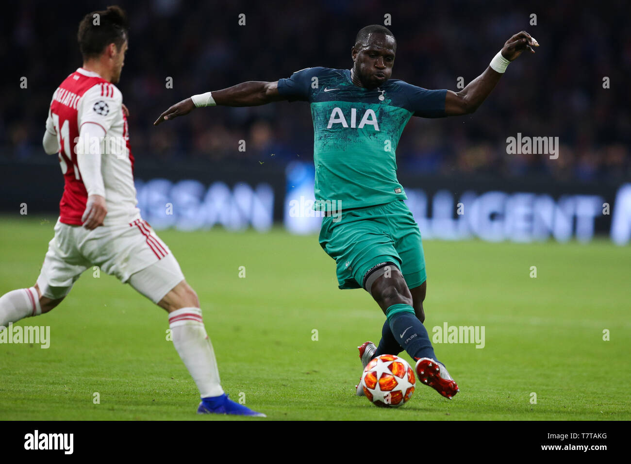 Amsterdam, Netherlands  8th May, 2019  Hotspur's Moussa Sissoko (R