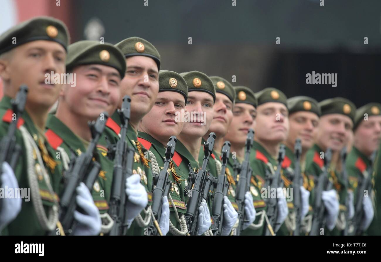 Moscow, Russia. 09th May, 2019. Russian soldiers march during the annual Victory Day military parade marking the 74th anniversary of the end of World War II in Red Square May 9, 2019 in Moscow, Russia. Russia celebrates the annual event known as the Victory in the Great Patriotic War with parades and a national address by President Vladimir Putin. Credit: Planetpix/Alamy Live News - Stock Image
