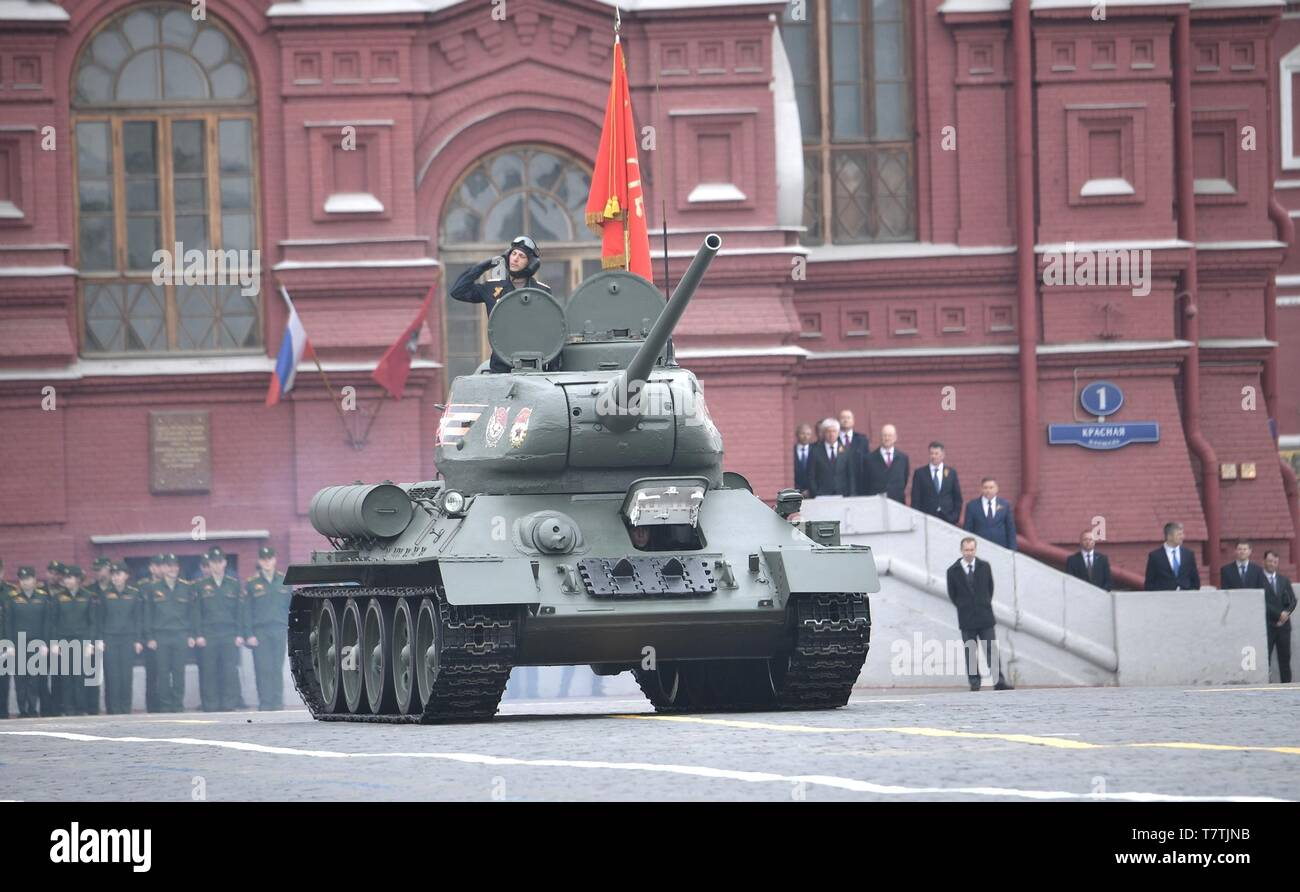 Moscow, Russia. 09th May, 2019. Russian soldiers parade past the review stand in a WWII era tank during the annual Victory Day military parade marking the 74th anniversary of the end of World War II in Red Square May 9, 2019 in Moscow, Russia. Russia celebrates the annual event known as the Victory in the Great Patriotic War with parades and a national address by President Vladimir Putin. Credit: Planetpix/Alamy Live News - Stock Image