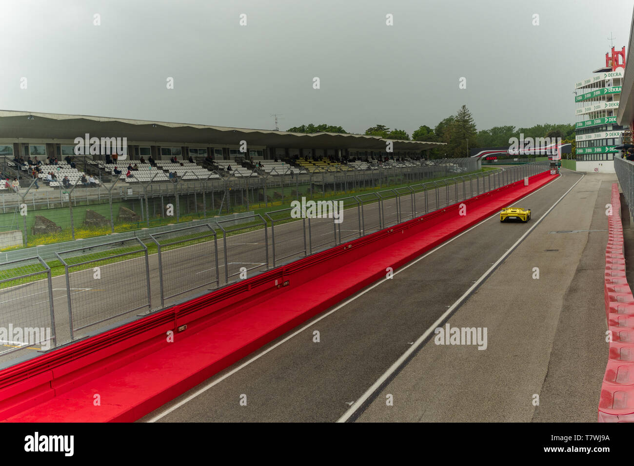 le mans series car is approaching the the Imola track Stock Photo