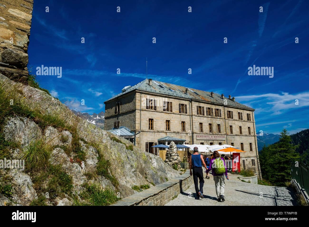 France Chamonix Mont Blanc Haute Savoie Montenvers Station Over The Mer De Glace Grand Hotel Du Montenvers Stock Photo Alamy