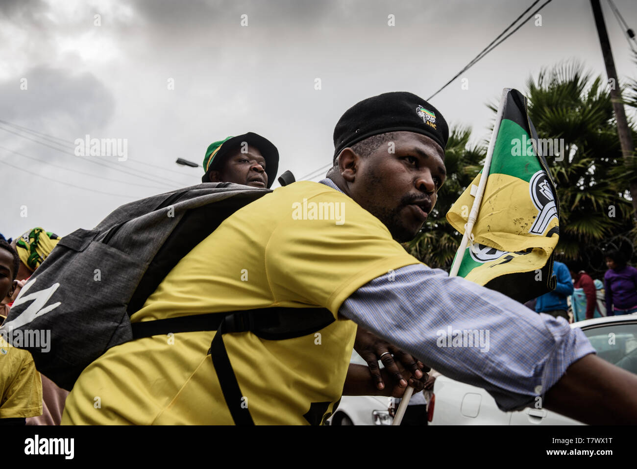 An ANC marshall at a 2019 South African elections gathering in Imizamo Yethu informal settlement in Hout Bay - Stock Image