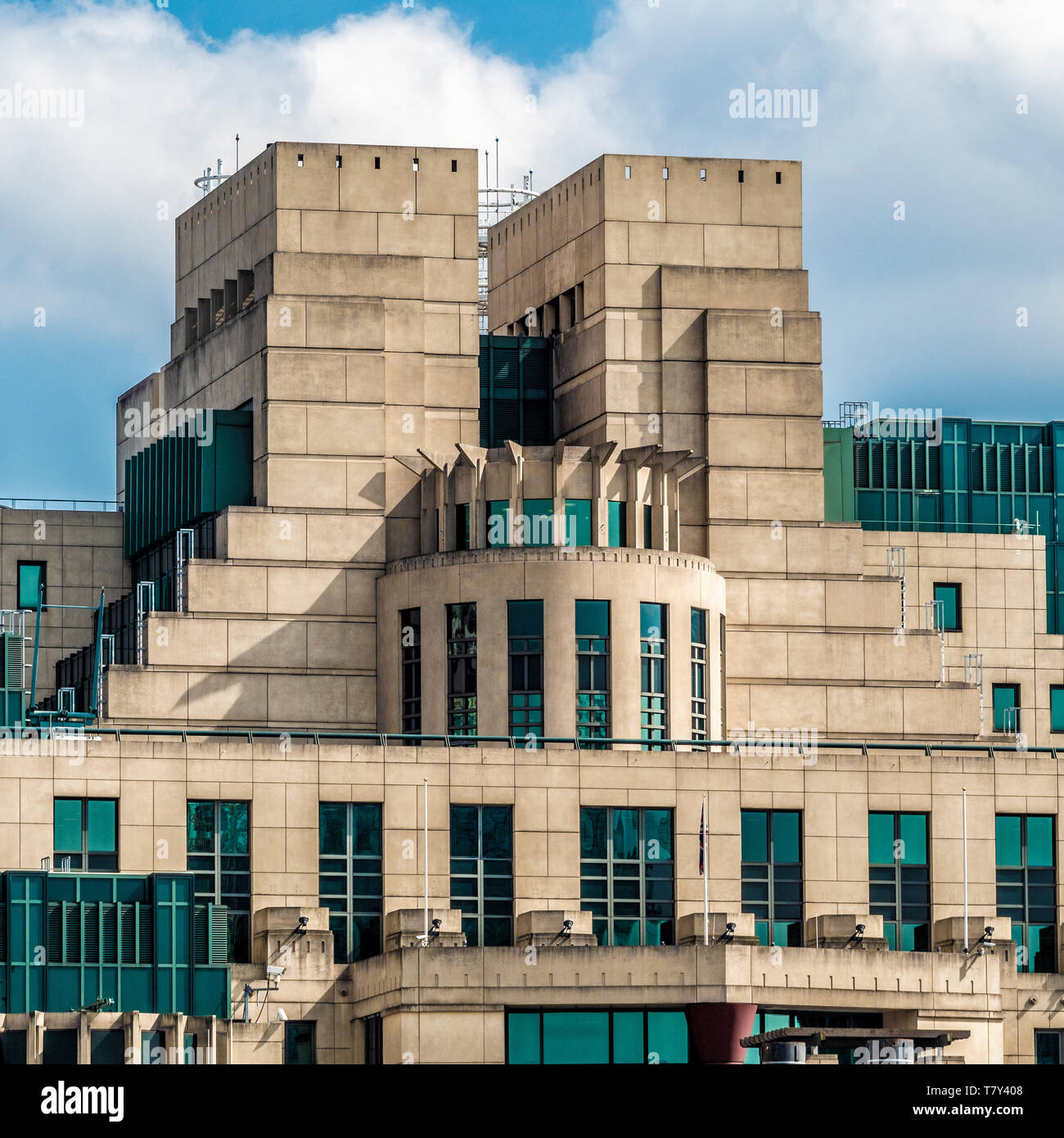SIS Building (MI6 Building) at Vauxhall Cross, Albert Embankment, London, UK. Headquarters of the UK Secret Intelligence Service. - Stock Image