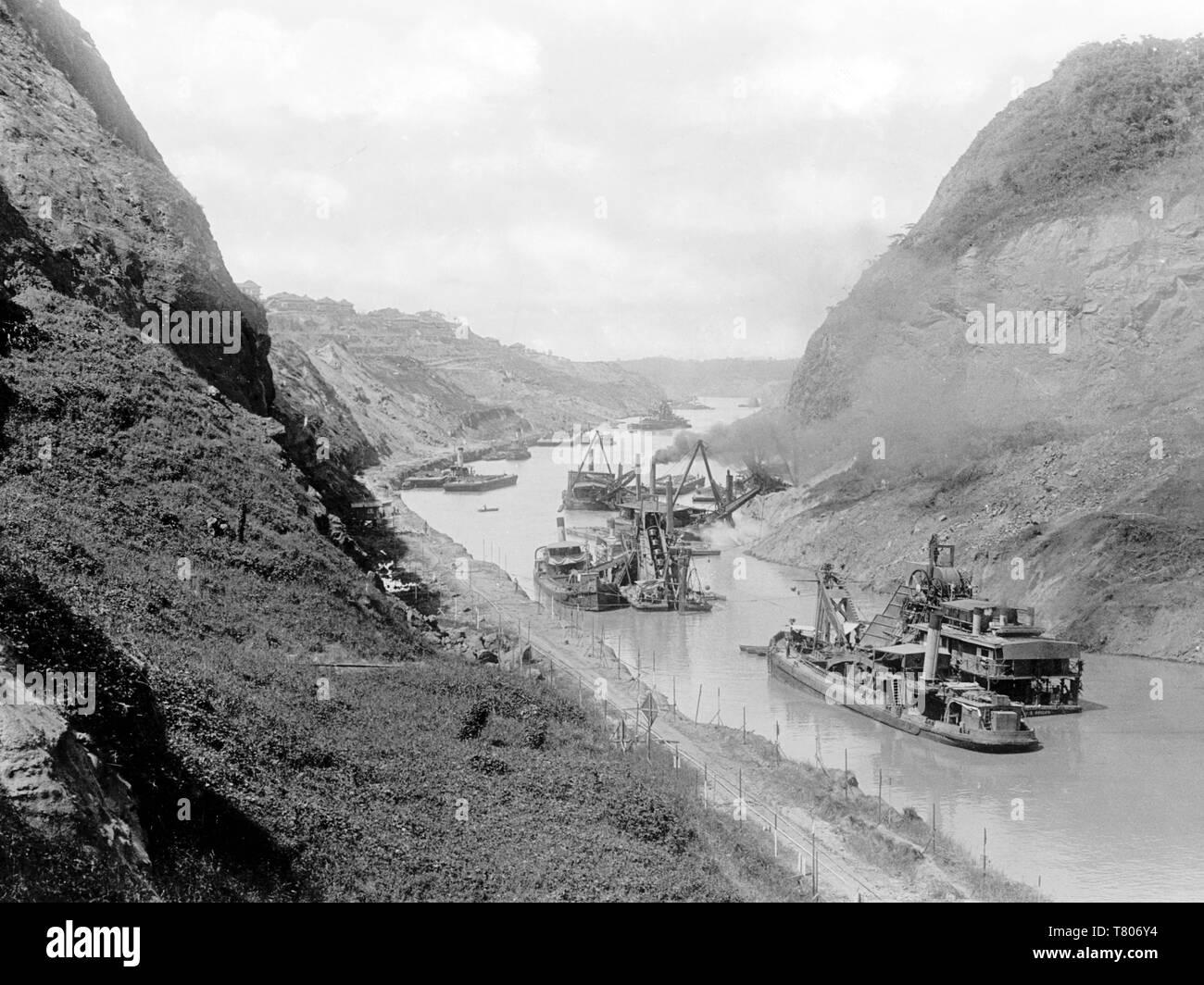 Gold Hill, Culebra Cut, Panama Canal, c. 1912 - Stock Image