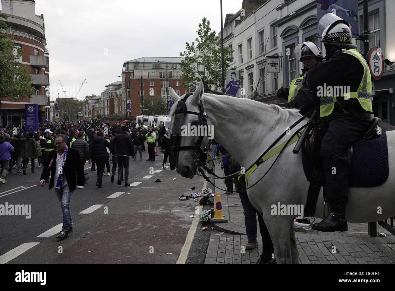 Chelsea, London, UK. 9th May, 2019. Police scour the streets before the Europa League Semi Final second leg match between Chelsea FC and Eintracht Frankfurt FCm where they were on the look out for German fans arriving without tickets, and causing trouble. Credit: Motofoto/Alamy Live News - Stock Image