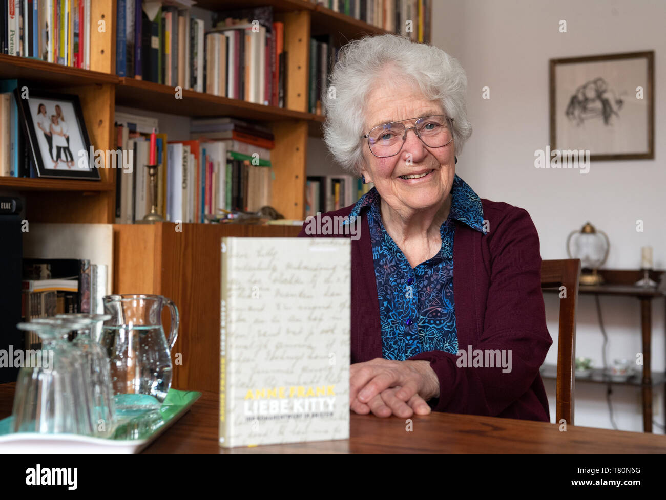 Berlin, Germany. 09th May, 2019. Laureen Nussbaum, a friend of the sisters Margot and Anne Frank, smiles during a dpa interview about the book 'Anne Frank - Liebe Kitty'. 'Dear Kitty' is the imaginary addressee of many diary letters from Anne Frank. (for 'Love Kitty' - Anne Frank's novel is rediscovered) Credit: Soeren Stache/dpa/Alamy Live News - Stock Image