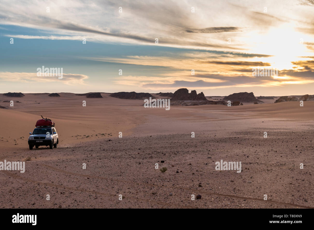 Expedition jeep in Northern Chad, Africa - Stock Image