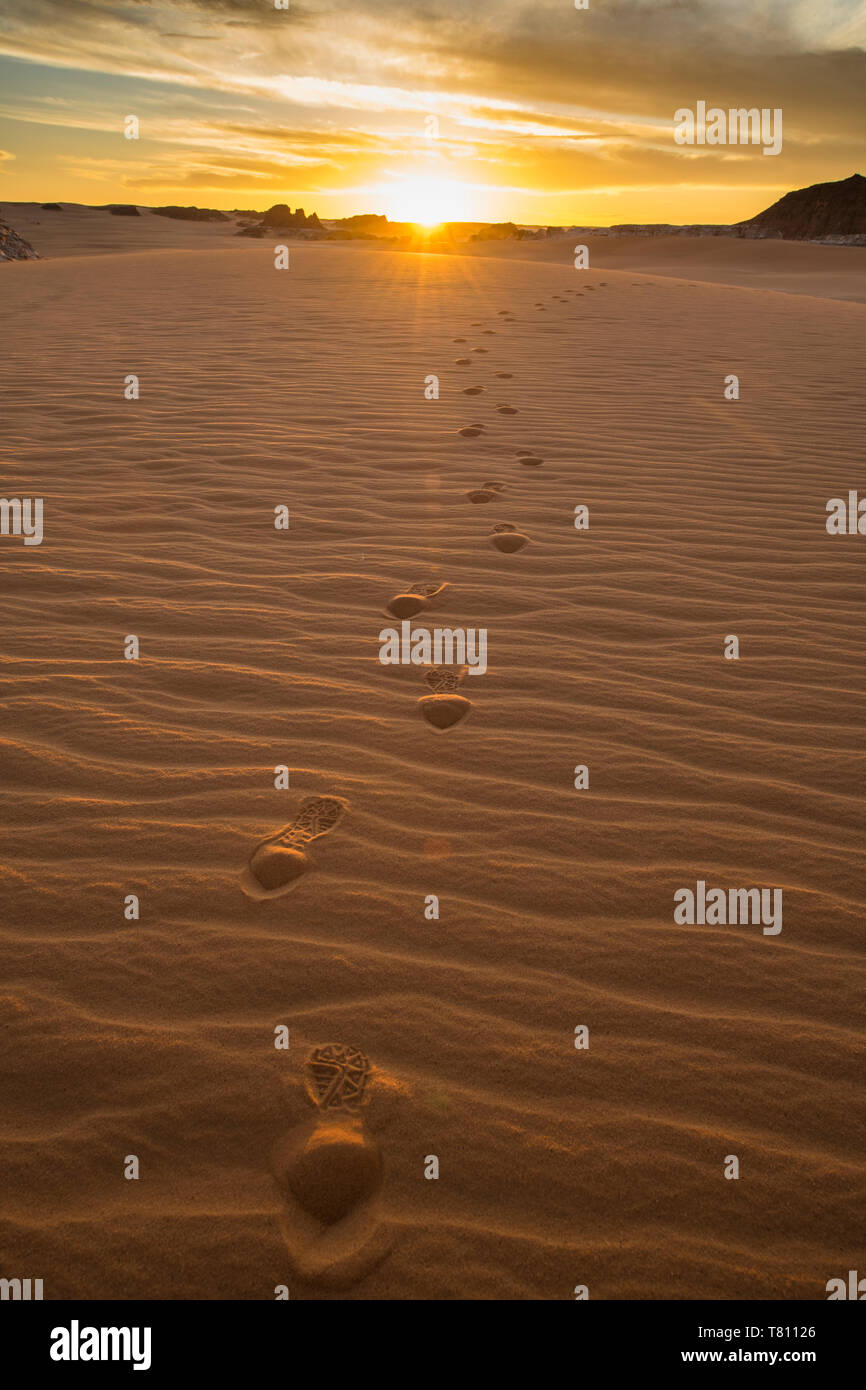 Sand dunes at sunset near the Ounianga lakes, UNESCO World Heritage Site, Chad, Africa Stock Photo