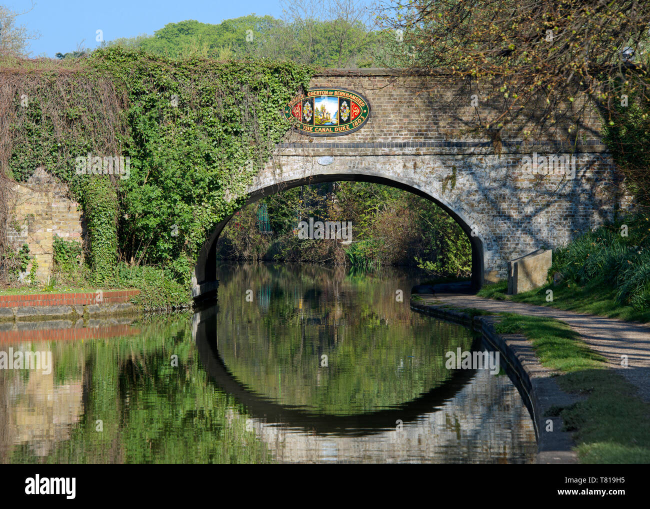 Bridge over Grand Union Canal Berkhamsted Hertfordshire England Stock Photo