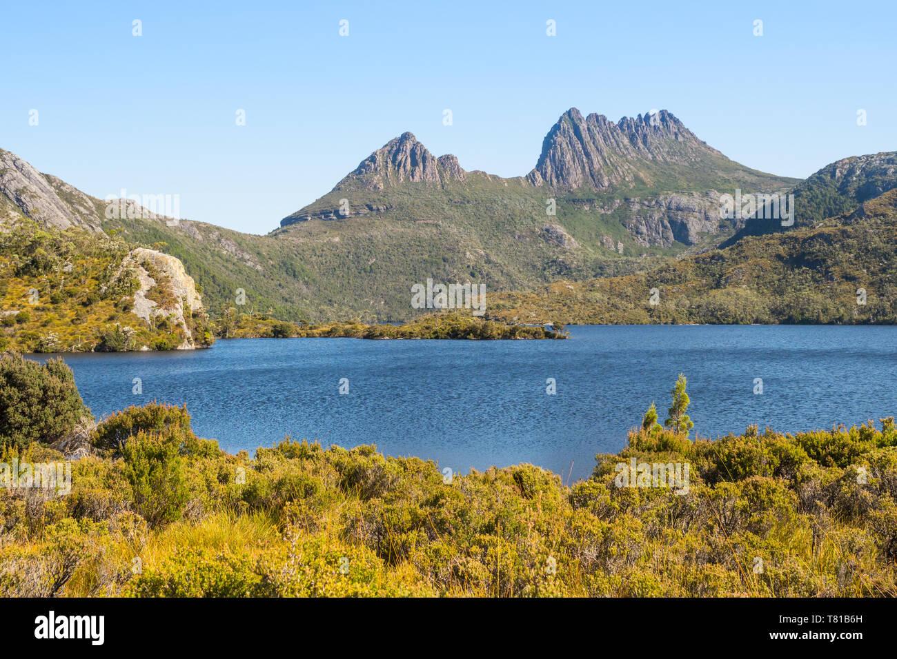 Cradle Mountain and Dove Lake in the Cradle Mountain - Lake St Clair National Park in Tasmania, Australia. Stock Photo