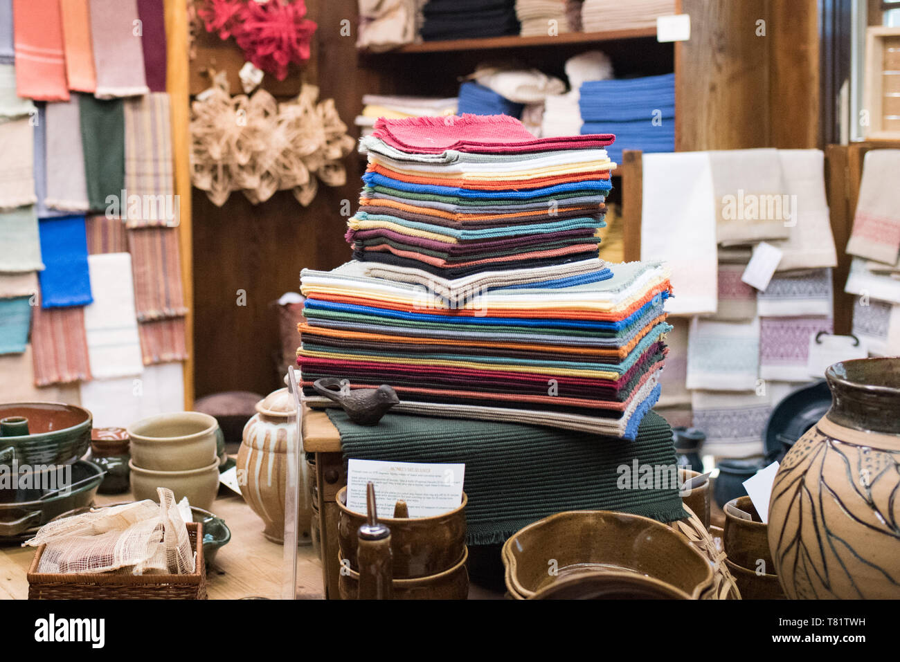 Arts and crafts are, many of which are made by the Women Weavers of the Crossnore School, are sold in the store to support the children's home. - Stock Image