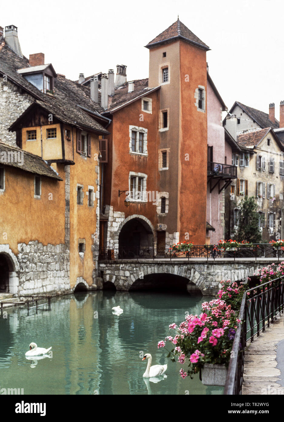 The medieval town of Annecy (Dept. Haute-Savoie).The old town with the River Thiou - Stock Image