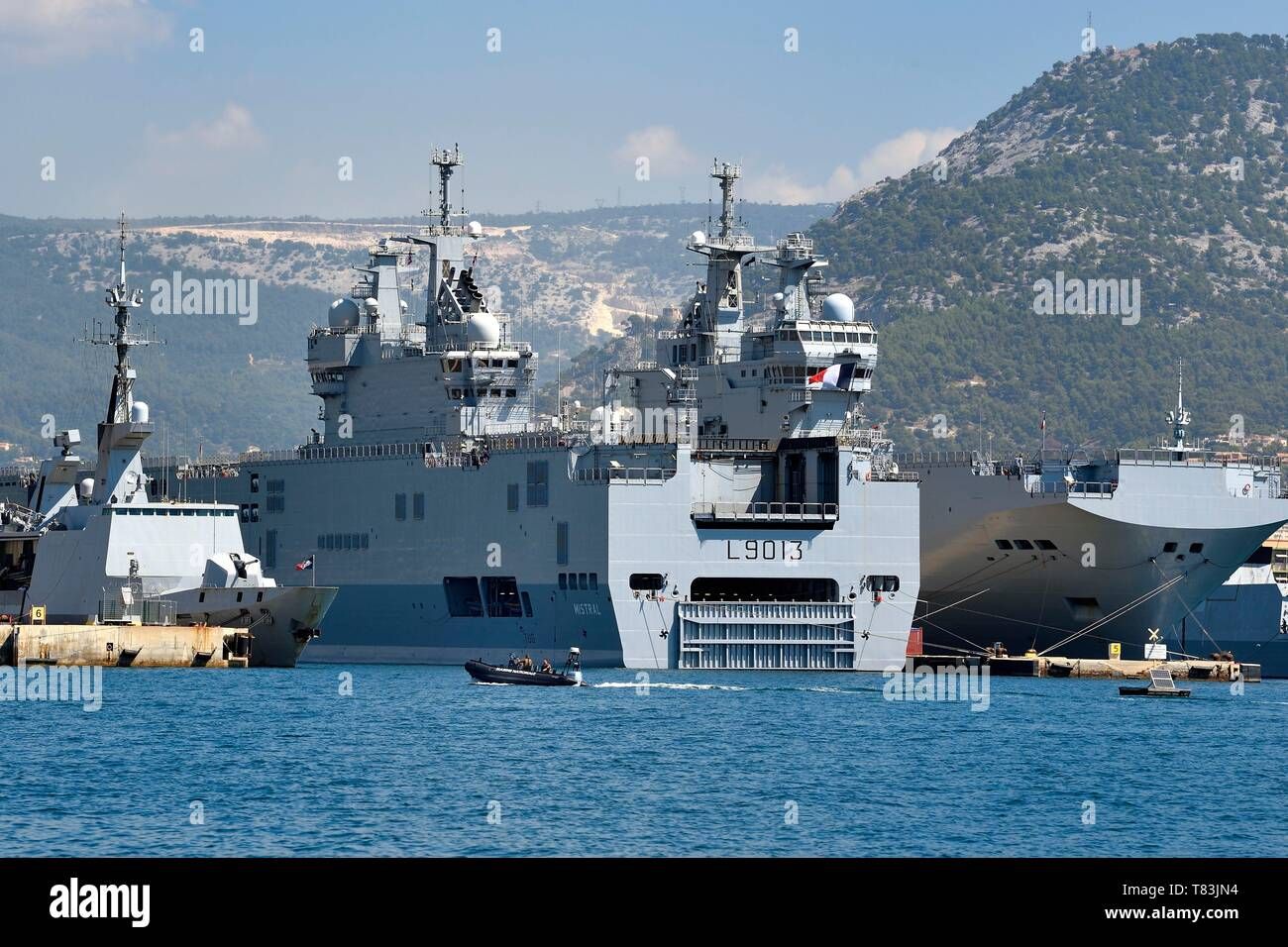 France, Var, Toulon, the naval base (Arsenal), Mistral (L9013) lead ship of the amphibious assault ship, a type of helicopter carrier, of the French Navy Stock Photo