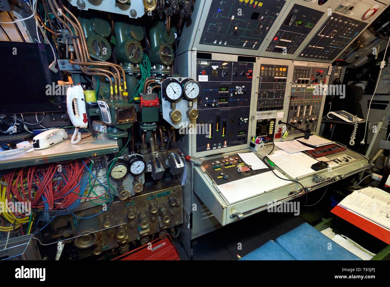France, Var, Toulon, the naval base (Arsenal), nuclear attack submarine (SNA) Rubis type, central navigation and operation room Stock Photo