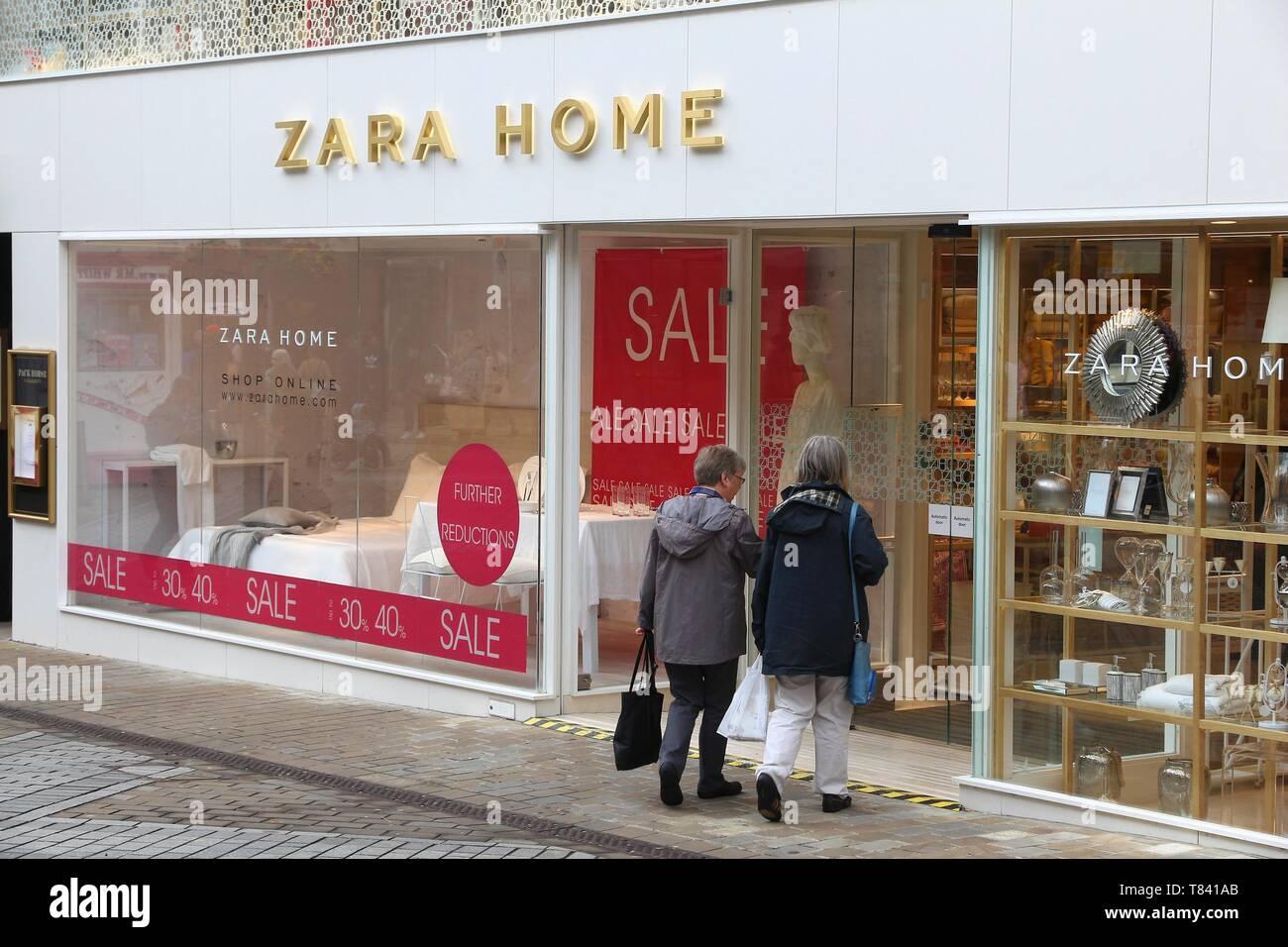5935db3d Zara Home Shop Business Stock Photos & Zara Home Shop Business Stock ...