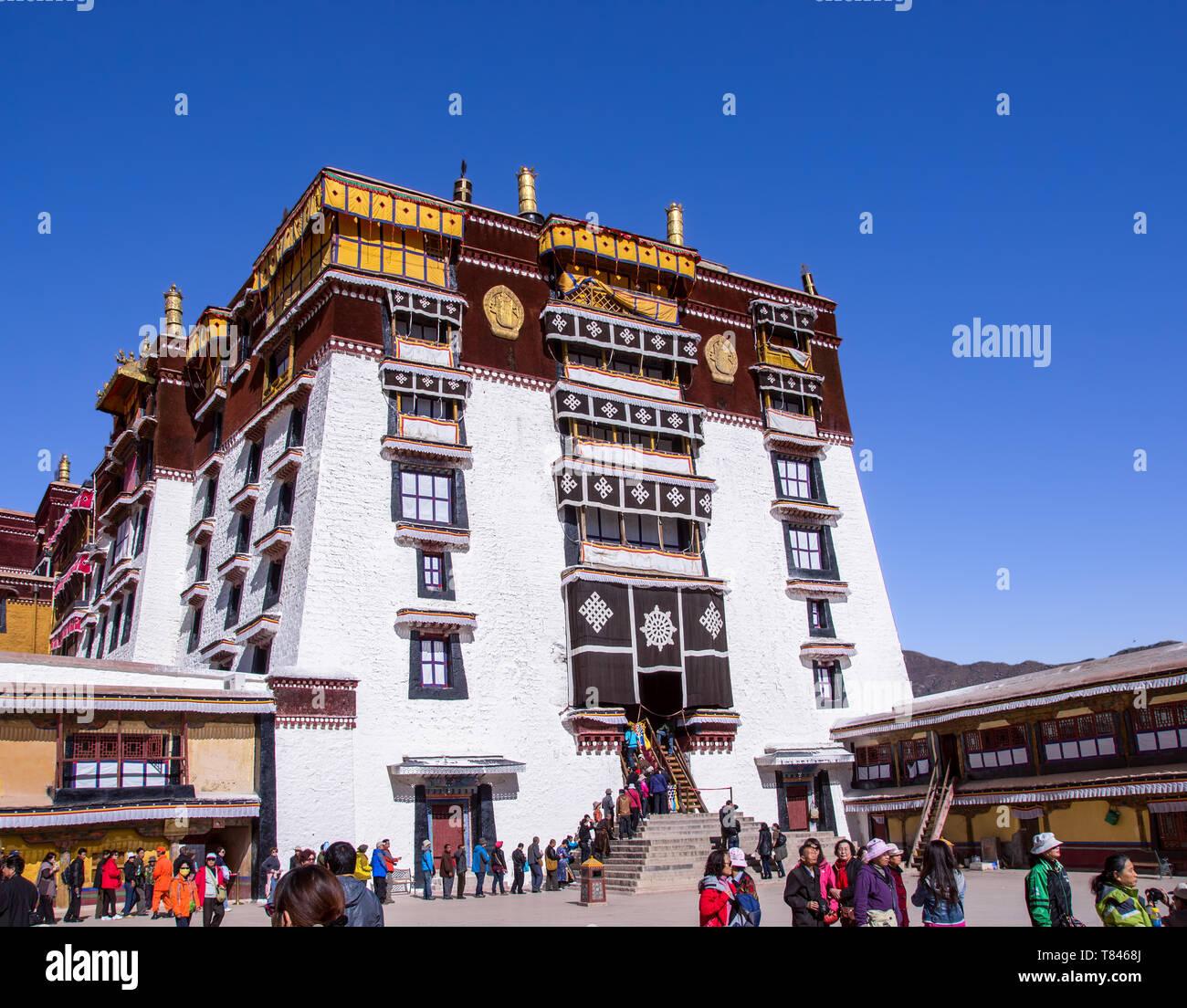 Main entrance to Potala Palace - Lhasa, Tibet - Stock Image