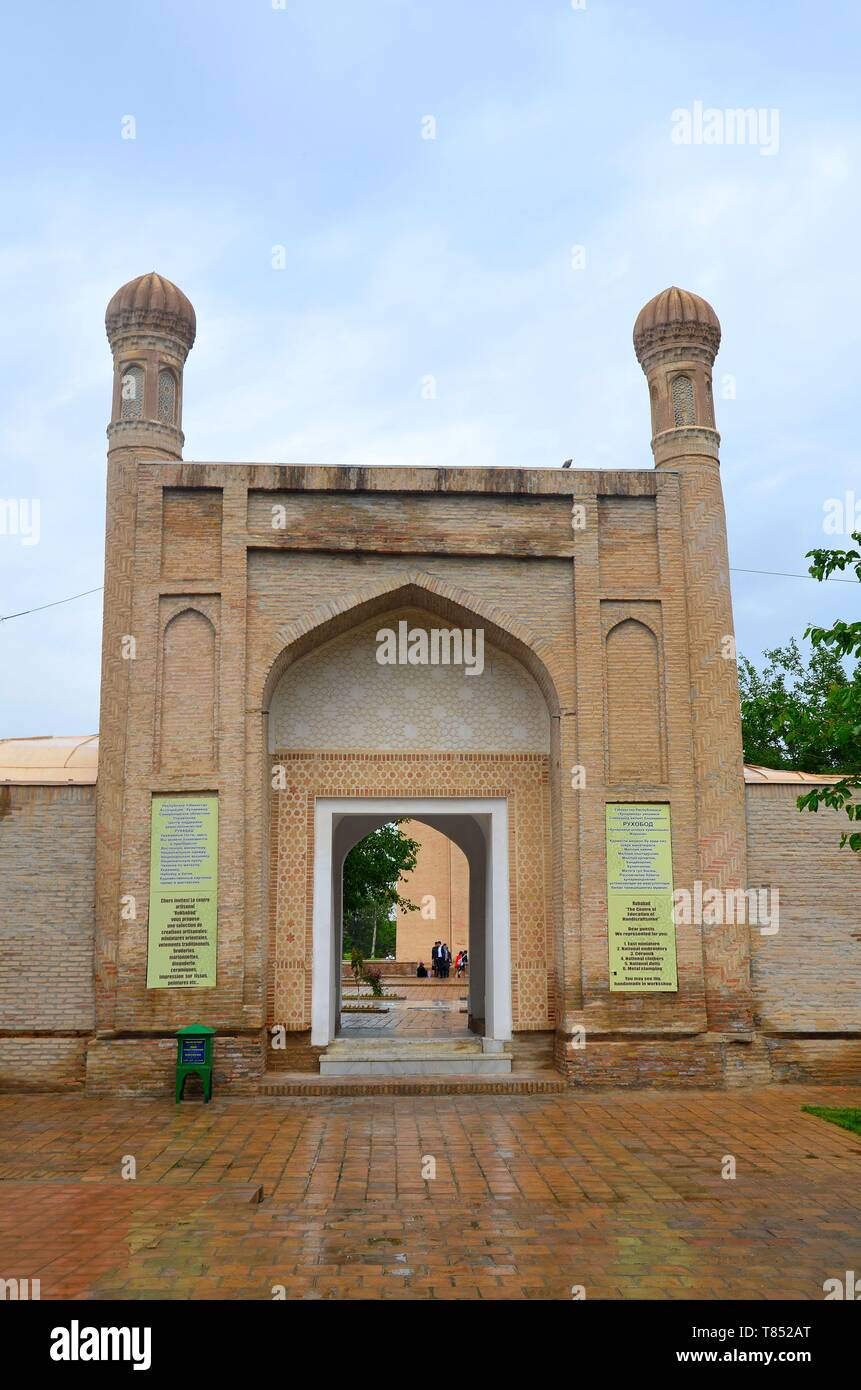 Samarkand in Usbekistan, UNESCO Weltkulturerbe an der Seidenstraße: das Ruhabat-Mausoleum - Stock Image