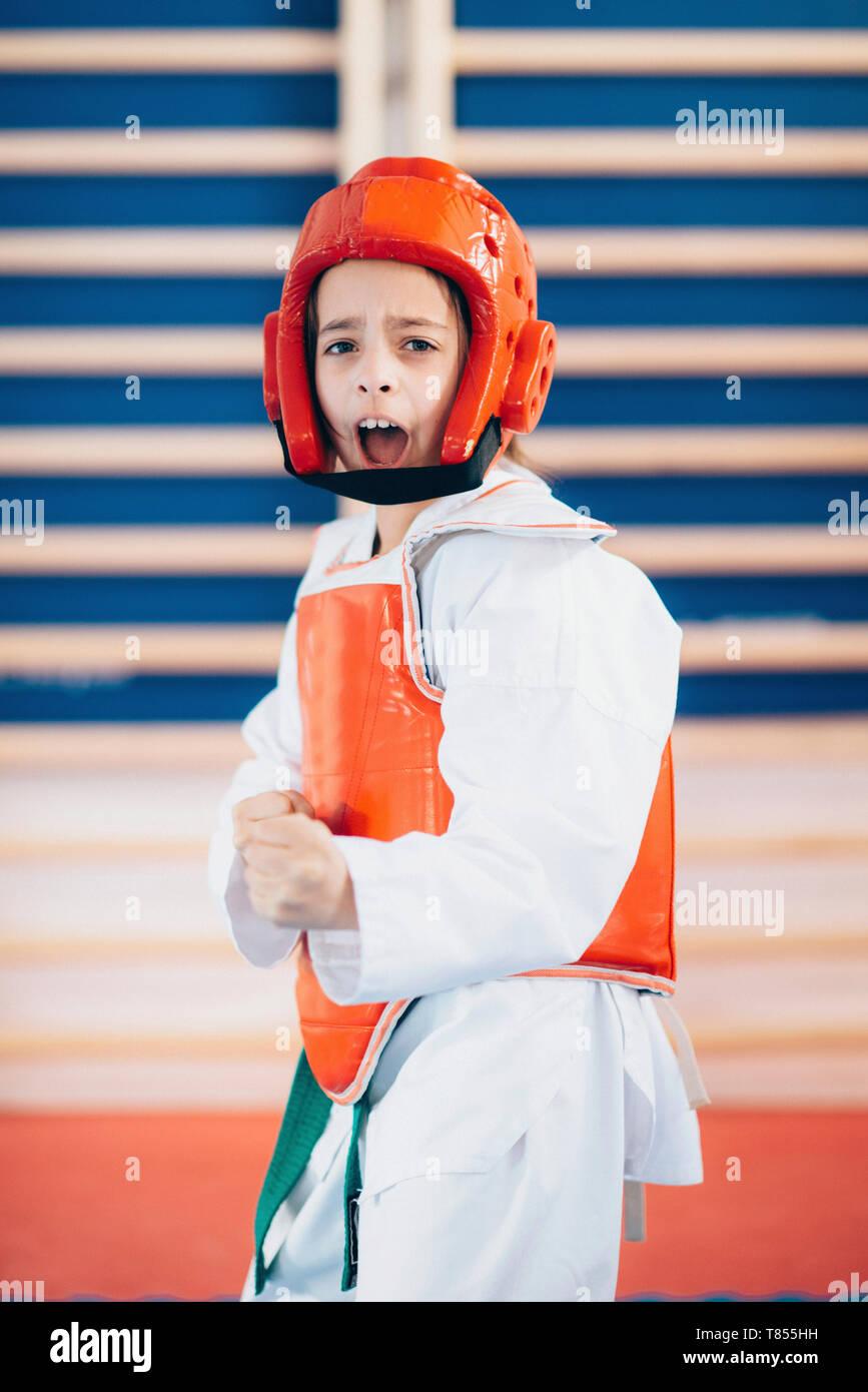Girl in taekwondo class - Stock Image